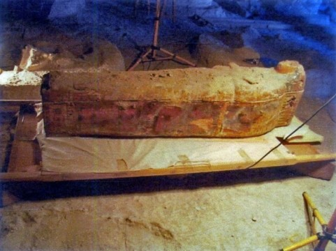 this-image-shows-some-hieroglyphs-pictures-depicted-sarcophagus